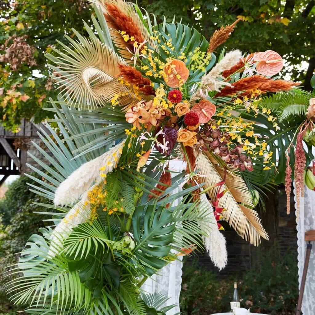 Trang trí tiệc cưới sắc mầu nhiệt đới